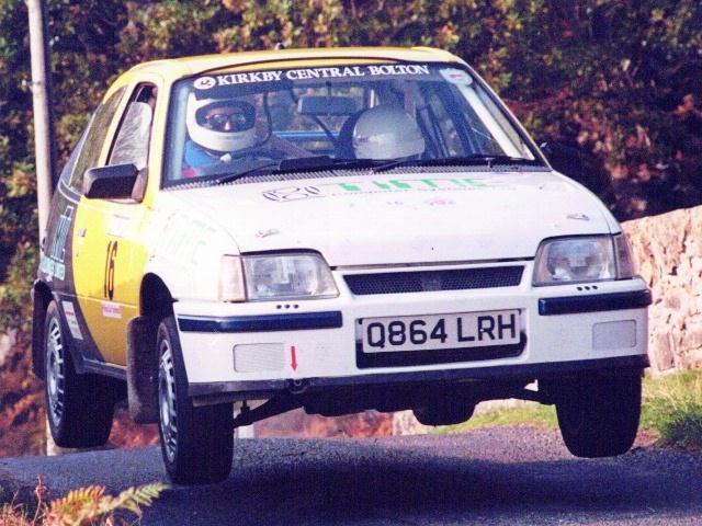 Car:16 Michael Shiel & Graham Shiel, Astra 1993